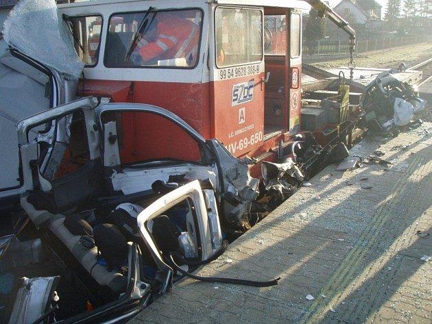 Střet železniční drezíny s osobním autem v Odrách na Novojičínsku.