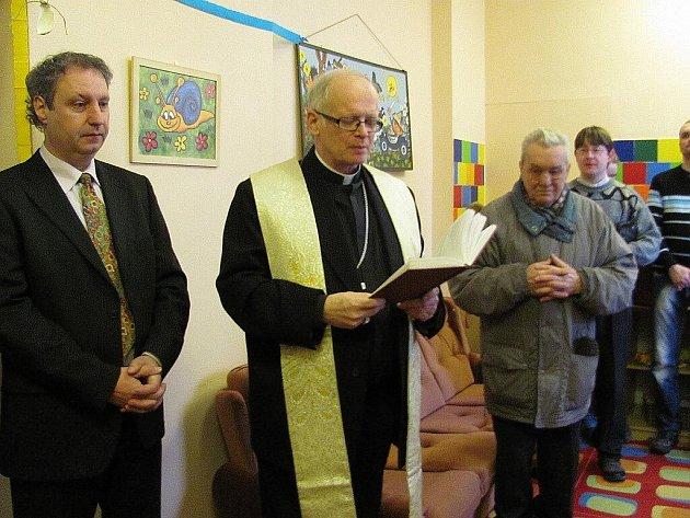 František Václav Lobkowicz zavítal do Nového Jičína, aby požehnal Charitnímu domu blahoslavené Matky Terezy a jeho obyvatelům.