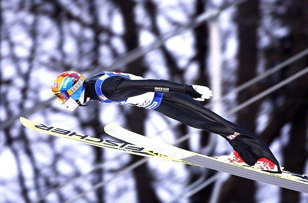 Přestože frenštátský skokan na lyžích, Vladimír Struhár, získal letos první body ve Fis Cupu, české juniorské reprezentaci se celkově na Slovensku přílíš nedařilo. Ilustrační foto.