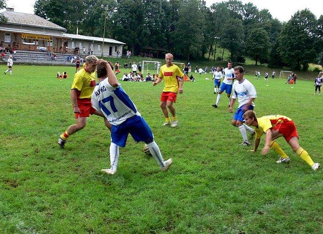 Šestého ročníku Bidolido cupu ve Straníku, místní části Nového Jičína, se zúčastnilo pětadvacet týmů.