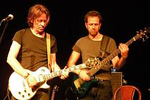 Dominic Miller (vlevo na snímk).
