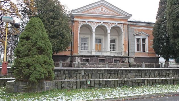 Vila v parku Edvarda Beneše v Kopřivnici.