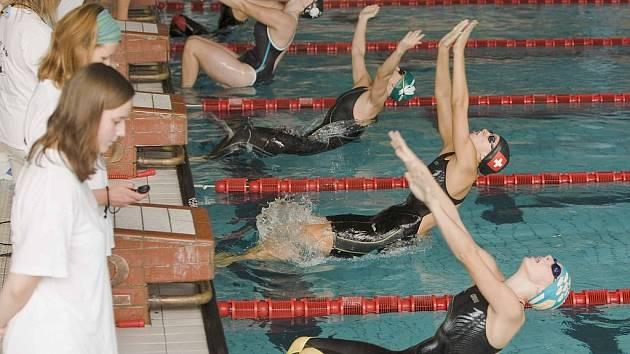Malá cena Nového Jičína a Cena Moravské brány se uskutečnila jako plavecké závody na krytém bazéně v Novém Jičíně za účasti některých reprezentantů ČR.