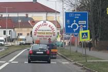 Hlavní tah Nový Jičínem, silnice I/57.