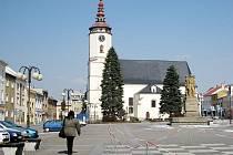 Kostel svatého Mikuláše v Bílovci bude možná sloužit nejen věřícím, ale také turistům. Pokud se Bílovci podaří získat potřebnou dotaci, rekonstruuje věž kostela a zpřístupní veřejnosti jako vyhlídku.