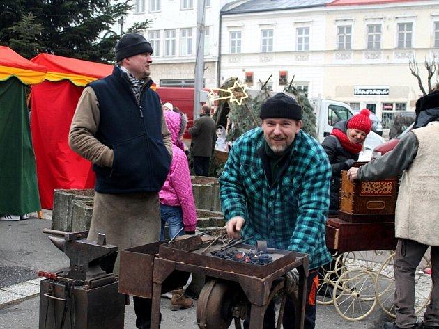 Vánoční jarmark na Masarykově náměstí v Odrách.