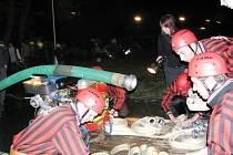 V Odrách se v pátek 23. května od devíti hodin večer konala již posedmnácté Noční hasičská soutěž.