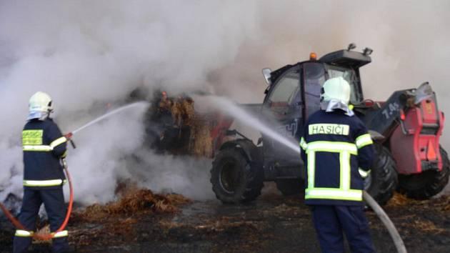 Oheň dostali hasiči v Rybím pod kontrolu.