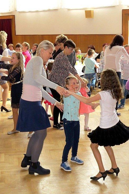 Nedělní odpoledne ve Slatině zpříjemnily tradiční oslavy Dne matek.