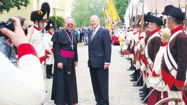 Jeho Osvícenost Franz-Joseph hrabě Waldburg-Zeil při návštěvě zámku v Kuníně v roce 2004.
