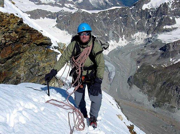 Horolezec Marek Novotný na cestě k Mount Everestu.