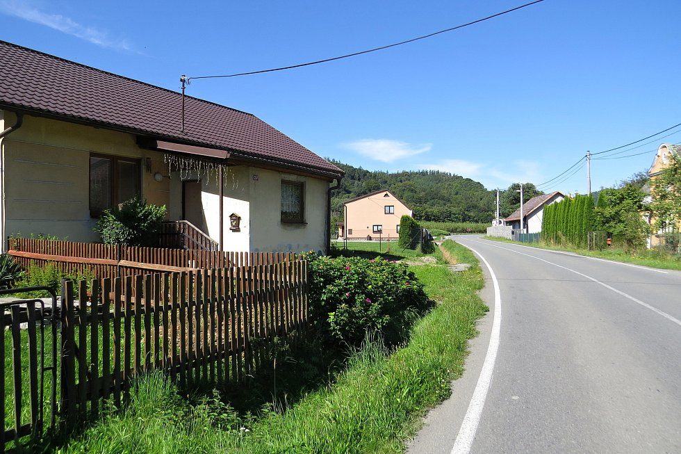 Nebezpečná silnice v Heřmánkách.