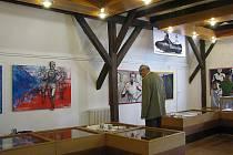 U příležitosti výročí deseti let od smrti legendy českého běhu Emila Zátopka, byla ve čtvrtek 27. května v prostorách kopřivnického muzea Fojtství slavnostně zahájena výstava Emil Zátopek, běžící, vítězící.
