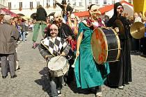 Novým Jičínem prochází každoročně průvod masek, který nebude chybět ani letos. Ponese se v duchu pohádek a pověstí regionu Moravského Kravařska.