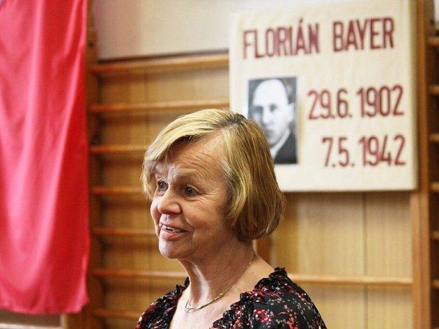 Antonie Feixová, neteř Floriána Bayera, neměla možnost svého strýce zažít.