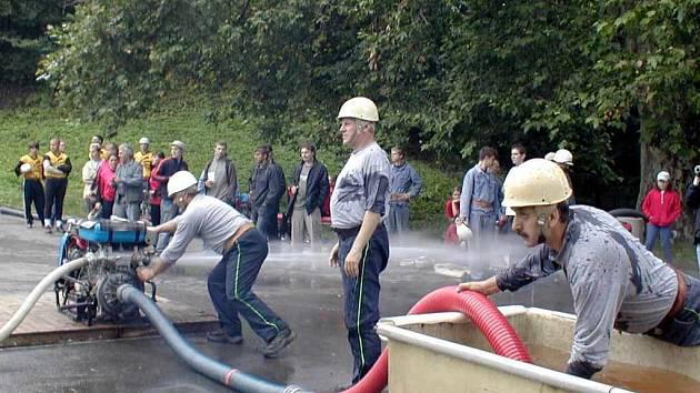 Oderští hasiči při soutěži.