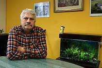Jaromír Heryán je majitelem zemědělské zkušební stanice, muzikantem a také se zajímá o historii obcí, kde žije.