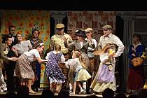 Pygmalion od G. B. Shawa zahráli v Příboře herci amatérského štramberského divadla Pod věží.