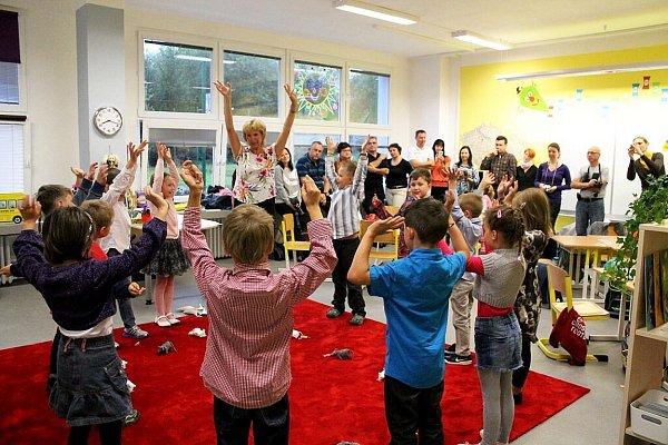 První soukromá základní škola na Novojičínsku zahájila vpondělí 1.září výuku. Do první třídy Základní školy Galaxie vNovém Jičíně nastoupilo třináct dětí.