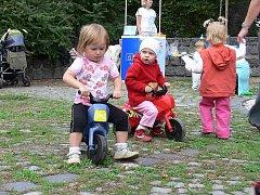 V rámci Evropského týdne mobility se v pondělí 21. září uskutečnilo ve Smetanových sadech zábavné dopoledne pro děti a maminky.