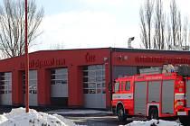 Integrované výjezdové centrum v Bílovci slouží hasičům i zdravotníkům.