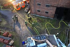 Milionovou škodu napáchal z noci na úterý 3. února požár v Blahutovicích, místní části Jeseníku nad Odrou.