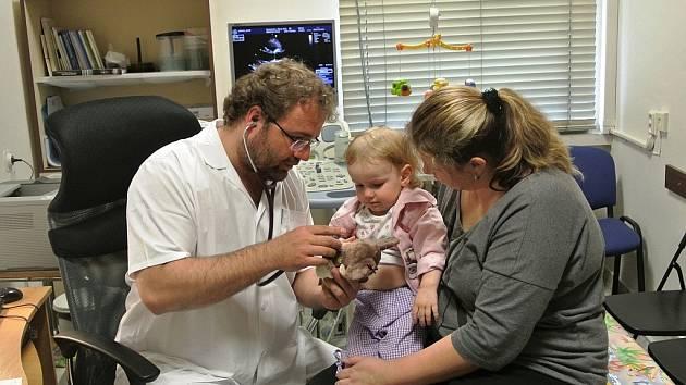 Nový ultrazvuk, určený zejména pro vyšetřování dětských srdečních vad, nahradil devět let starý přístroj.