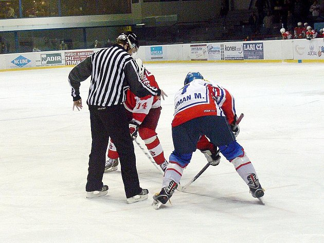 Hokejisté Nového Jičína vysoko vyhráli derby s Opavou.