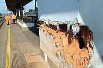 Takto vypadalo okolí nehody pendolina ve Studénce den po tragédii.