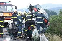 Čtyři lidé zemřeli v pátek po třetí hodině odpolední při dopravní nehodě u Starého Jičína.