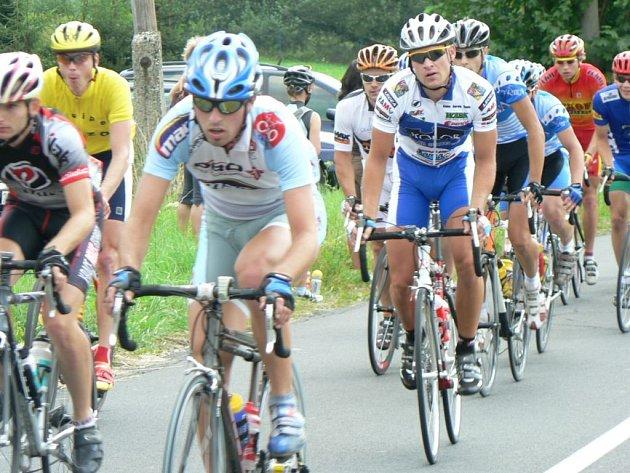 Na cyklisty čekalo na konci závodu stoupání do cíle na Praděd.