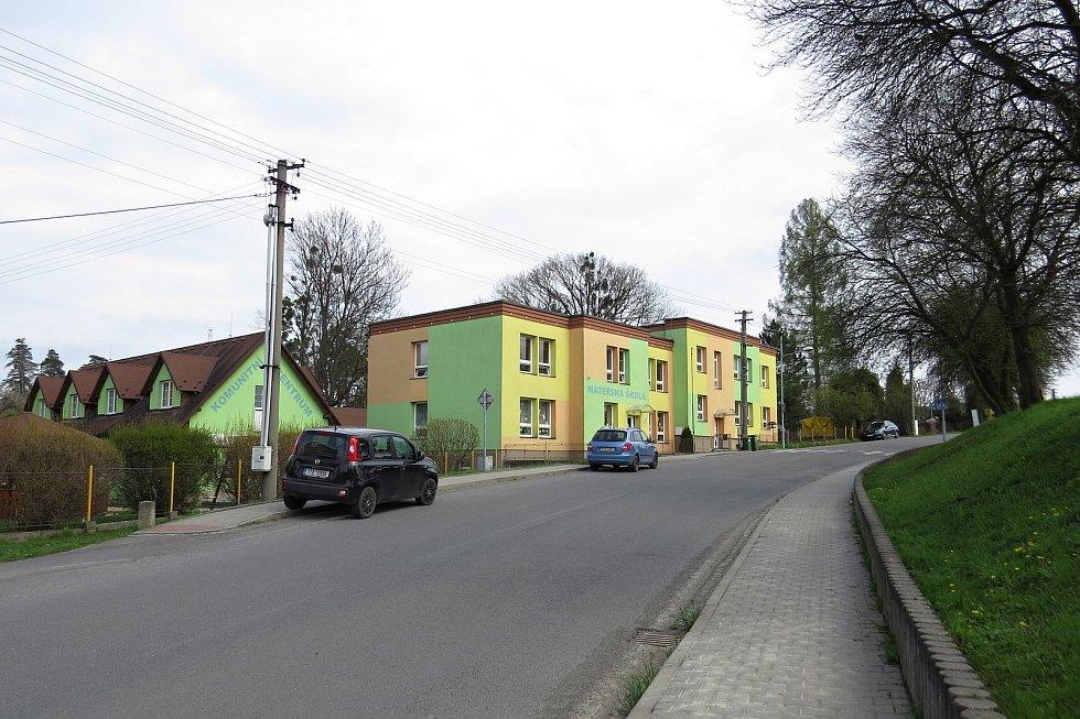 Mateřskou školu v Kateřinicích navštěvují také děti ze sousední Trnávky.