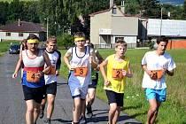 Tradiční běh Hukvaldskou oborou, se startem i cílem v Mniší, měl letos na programu již svůj 13. ročník. Na start se postavili běžci všech kategorií.