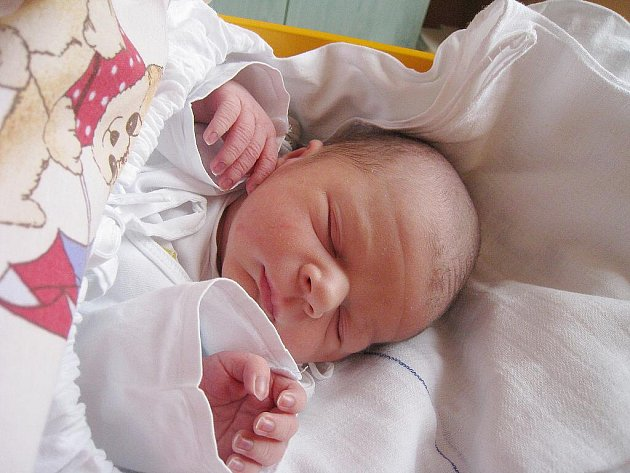 Petr Podhajský z Nového Jičína, nar. 5. 4. 2011, 51 cm, 3,55 kg, nemocnice Nový Jičín.