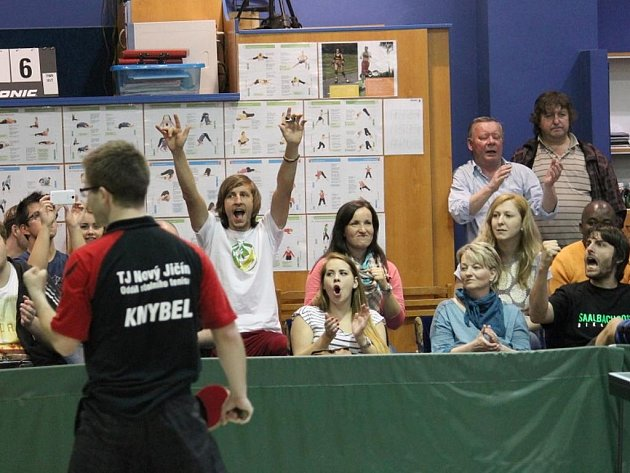 KAMIL KNYBEL dokázal porazit kopřivnického Holáně a nasměroval Nový Jičín k první finálové výhře.