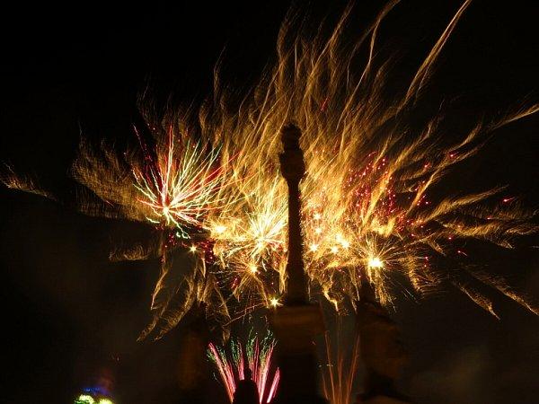 Nebe nad Novým Jičínem se tentokrát rozzářilo vprvních sekundách nového roku.