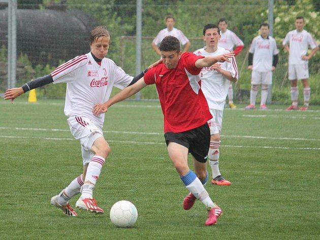 Bílovec hostil republikové finále AŠSK (Asociace školních sportovních klubů) ČR základních škol v minifotbale v kategorii starších žáků.