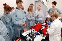 Novojičínskou nemocnici navštívili studenti oboru Praktická sestra na zdravotní škole v Odrách.