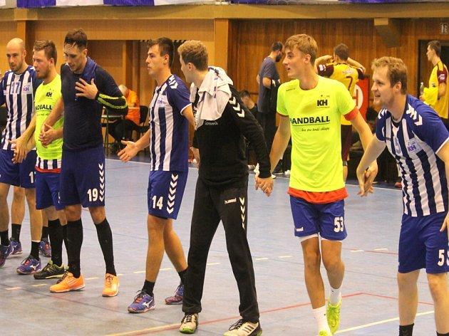 KOPŘIVNIČTÍ házenkáři potvrdili formu z extraligy i v poháru, když si z palubovky rivala z Frýdku-Místku odvezli postup do čtvrtfinále.