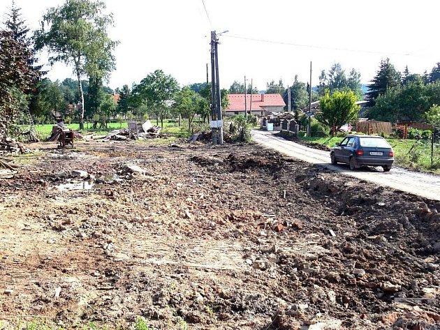 Desítky prázdných parcel zůstaly po povodni na různých místech Novojičínska.
