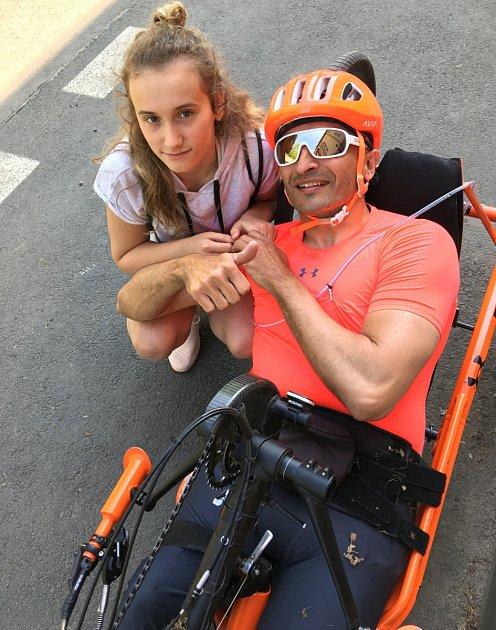 Frenštátský sportovec Pavel Děcký se svou věrnou fanynkou.