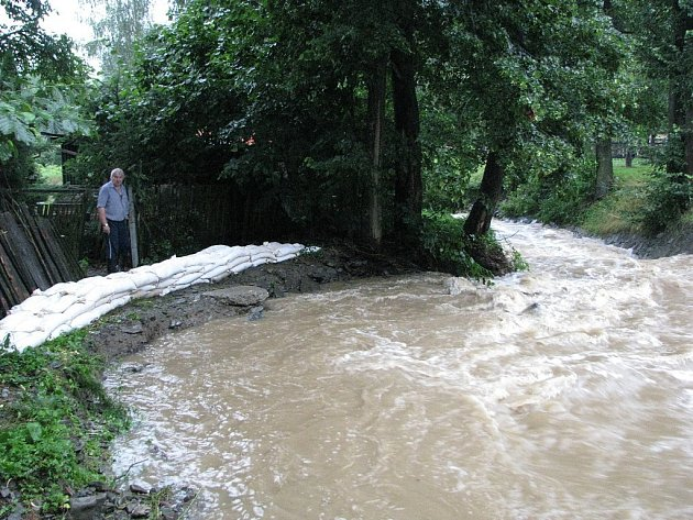 Stále větší obavy ze silnějšího deště mají obyvatelé Lukavce, místní části Fulneku.