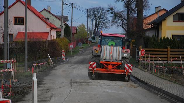 Stavební práce na obchatu Skotnice a Mošnova na Novojičínska se dotýkají také příborské místí části Prchalov.