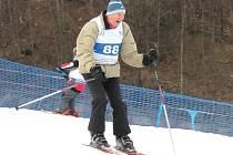 František Pitucha zhruba před týdnem ukázal na Horečkách ve Frenštátě pod Radhoštěm, že i v sedmaosmdesáti letech je dobrým lyžařem.