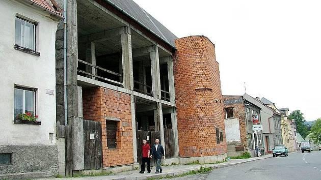 Objekt bývalého kina na třídě 1. máje v Odrách.