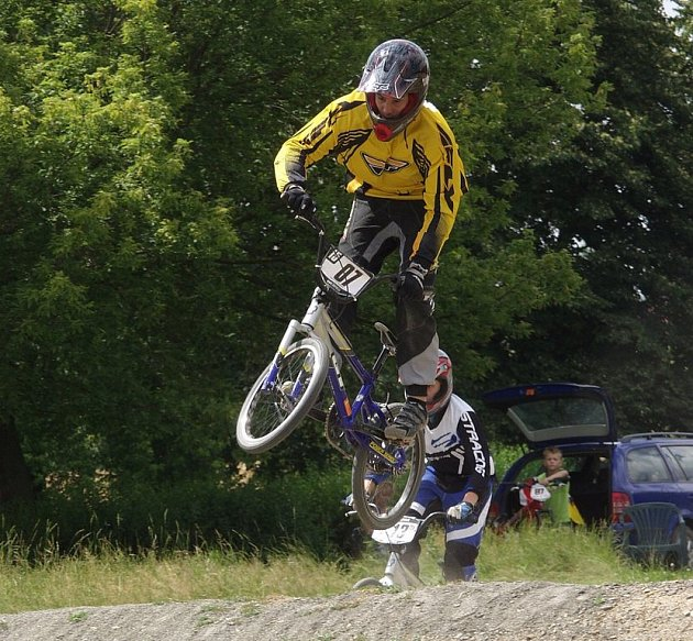 Jezdci BMX AMK Studénka dovezli z republikového šampionátu v Pardubicích jednu bronzovou medaili a jeden titul šampiona ČR.