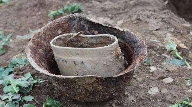 Nález ostatků německého vojáka z doby 2. světové války.