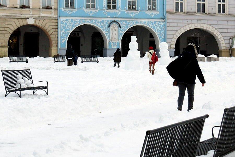 Masarykovo náměstí se proměnilo v Sněhulákovo.