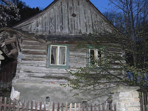 Zřejmě v nejhorším stavu je venkovská usedlost na Nádražní ulici ve Štramberku.