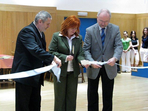 Slavnostní otevření zrekonstruovaného sálu ve Středisku volného času Fokus v Novém Jičíně.